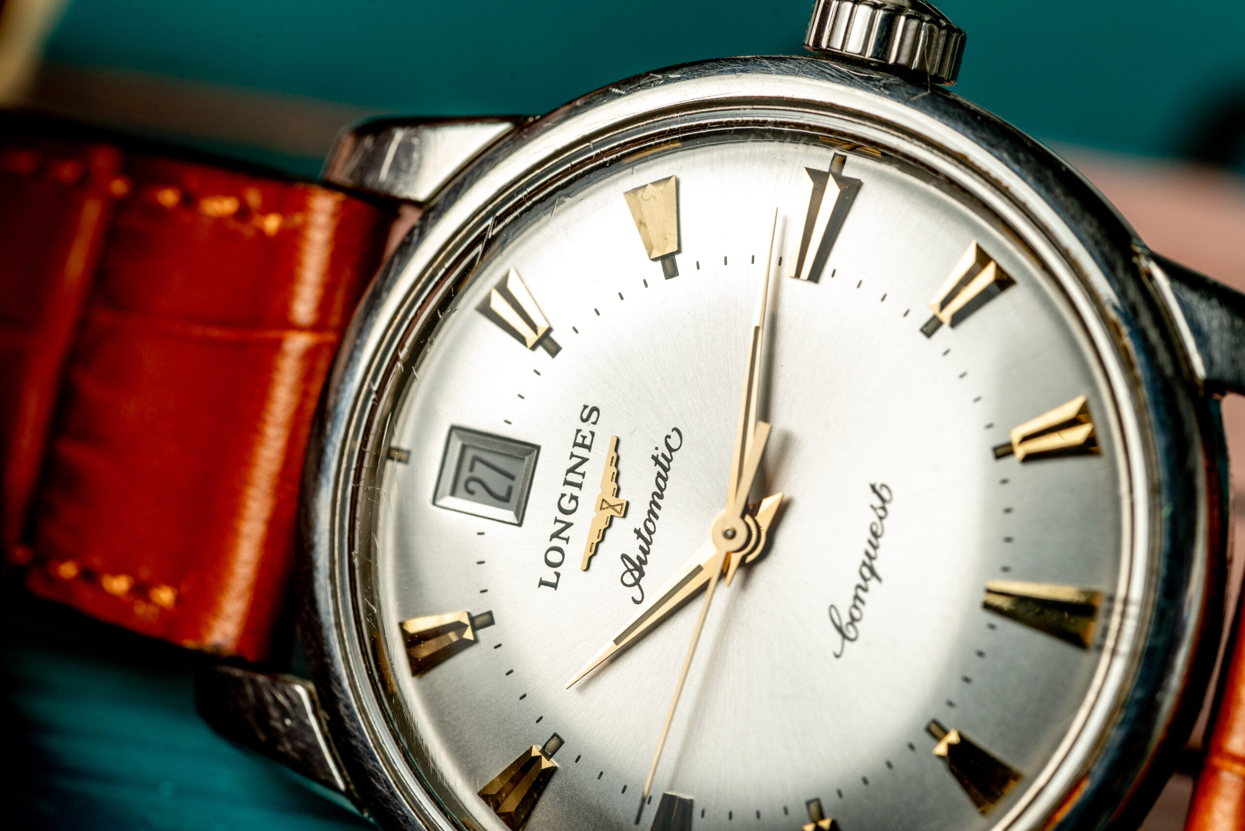 longines conquest heritage watch macro