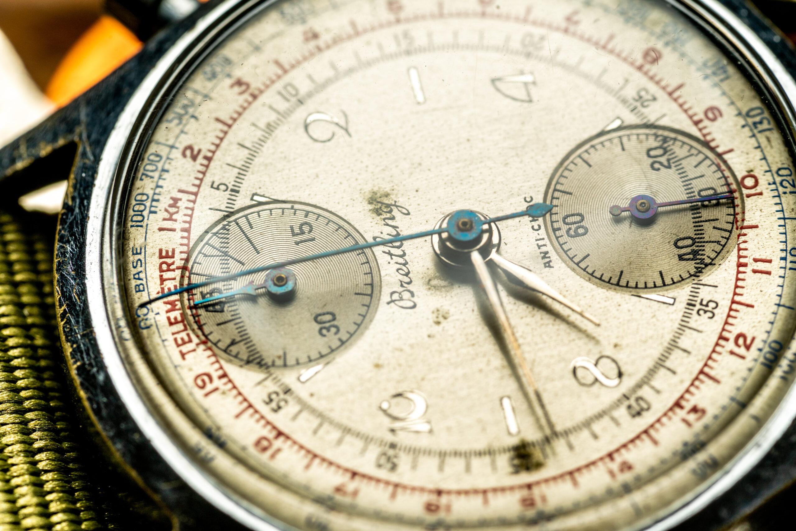 vintage breitling chronograaf verchroomd tachymeter horloge macro