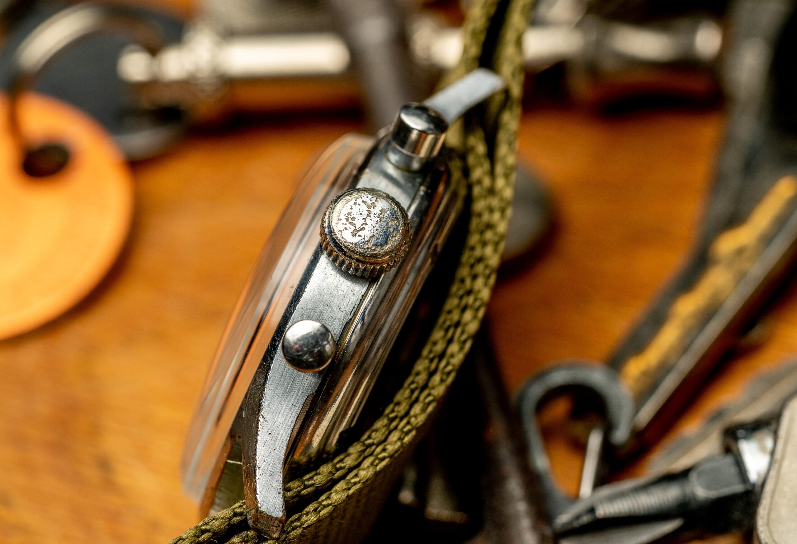 vintage breitling chronograaf verchroomd tachymeter horloge kroon
